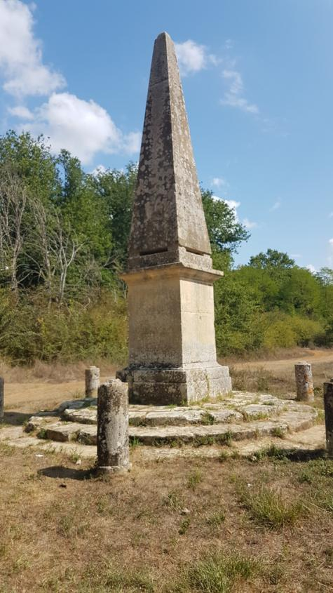 Obelisco Osteriaccia Via Francigena