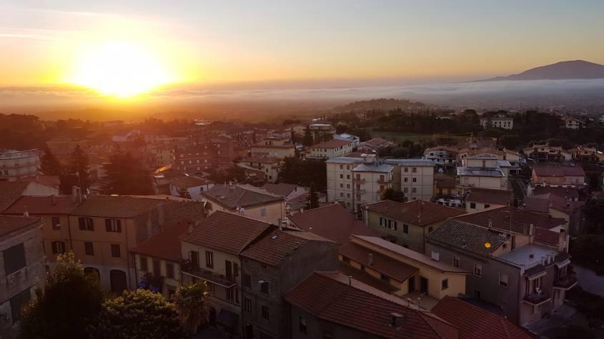 Montefiascone all'alba
