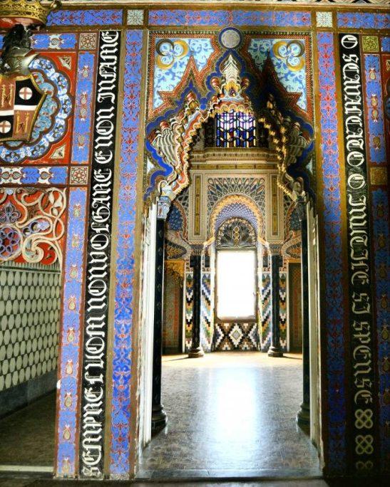 La porta della Sala dei Gigli
