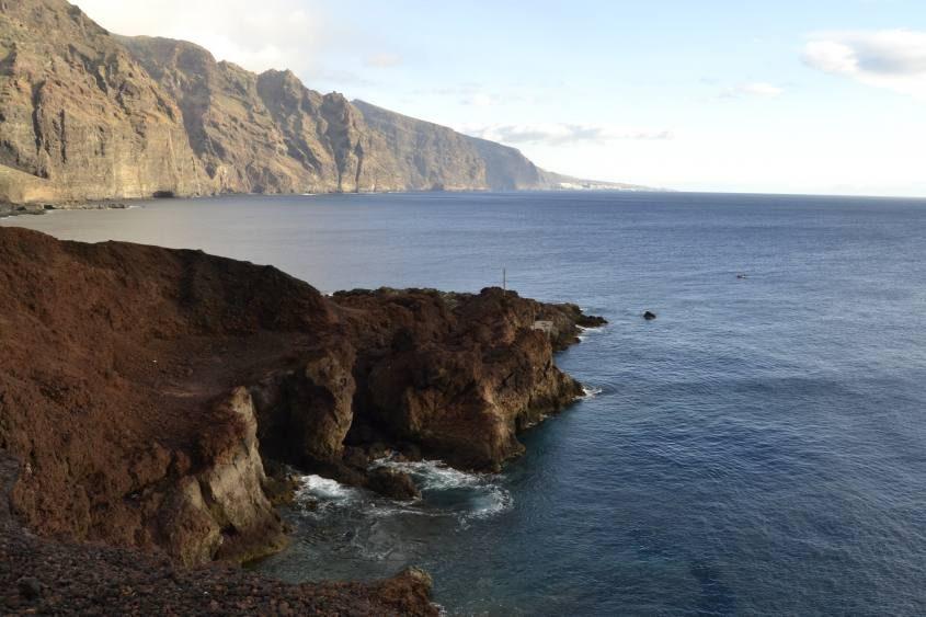 Scogliere al faro di Punta Teno Tenerife