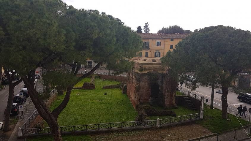Terme romane viste da Le Mura di Pisa