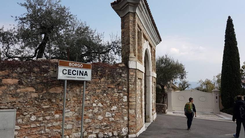 Borgo di Cecina sul trekking del Lago di Garda da San Felice a Gargnano