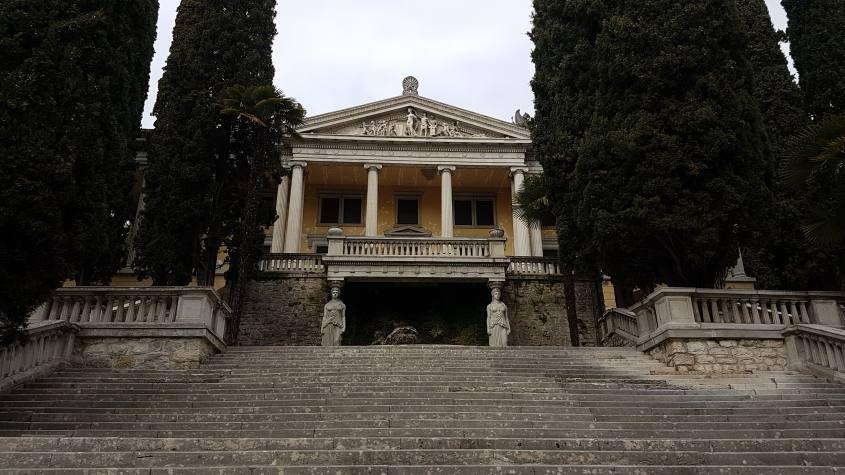 Esterno di Villa Alba sul lago di Garda