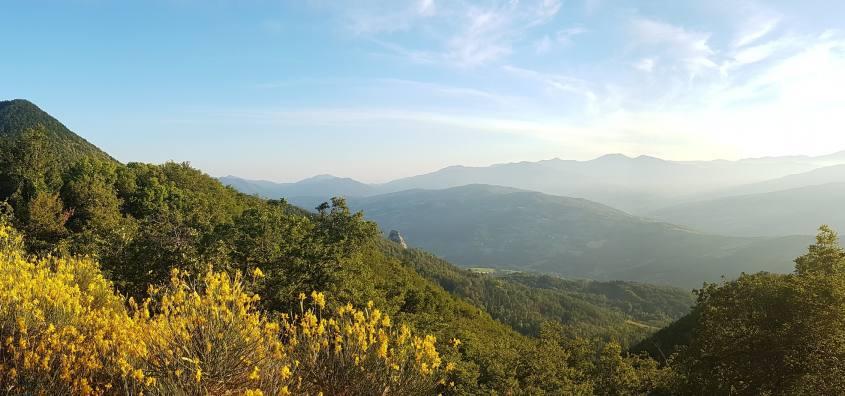 Vista sull'Appennino bolognese dal Santuario della montagna di Montovolo a Grizzana Morandi