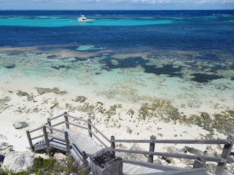 Scala che porta alla spiaggia di Parker Point a Rottnest Island