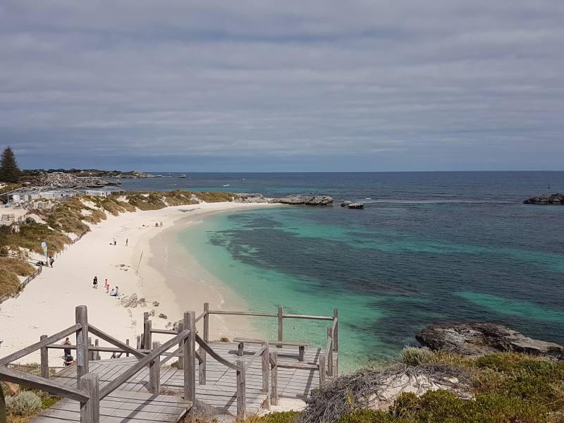Vista della spiaggia Pinky Beach dal faro Bathurst Lighthouse