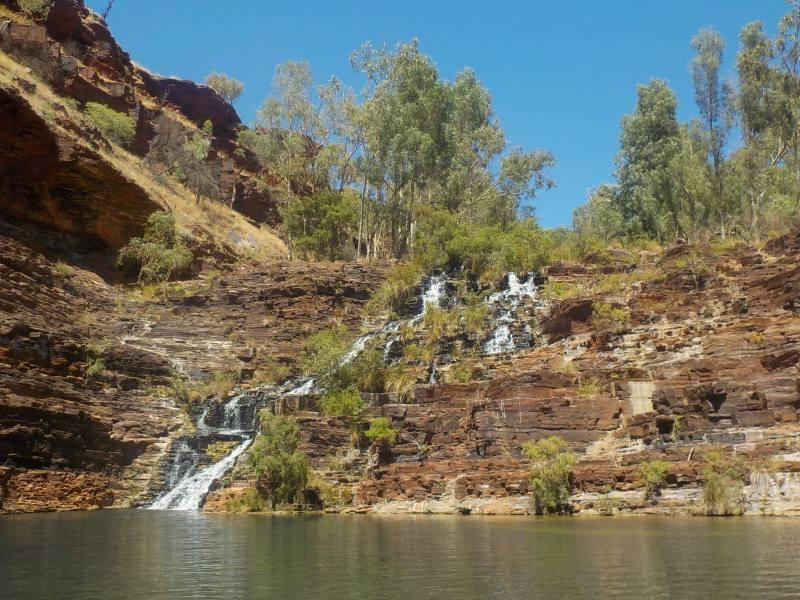 Piscina naturale con cascate Fortescue Falls all'interno del Parco di Karijini