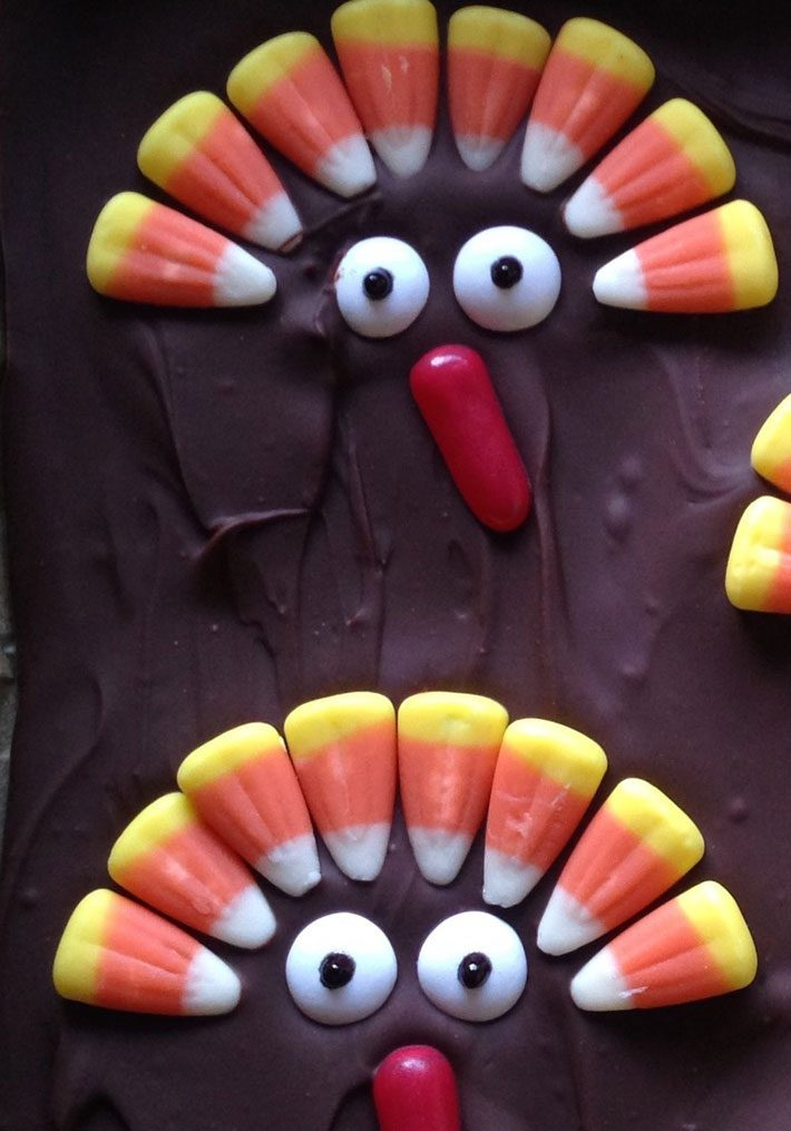 Chocolate Bark With Candy Turkeys – Thanksgiving Dessert Recipe