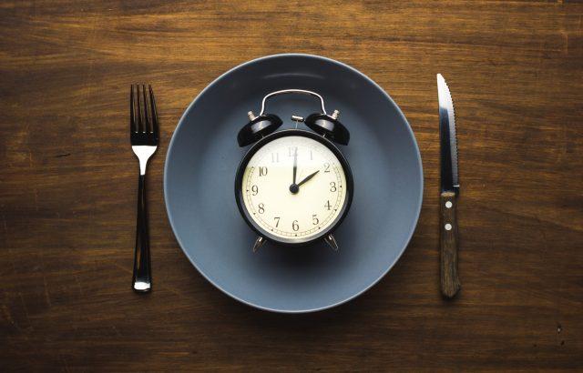 fasting o ayuno intermitente