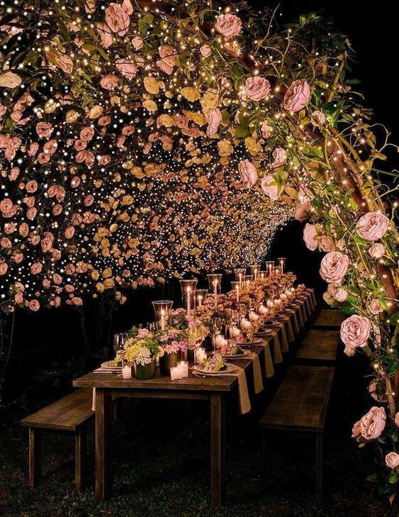 tunes del rosas para una boda al aire libre