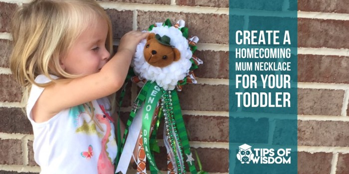 Christmas Homecoming Mum.How To Make Homecoming Mums As A Necklace For A Toddler