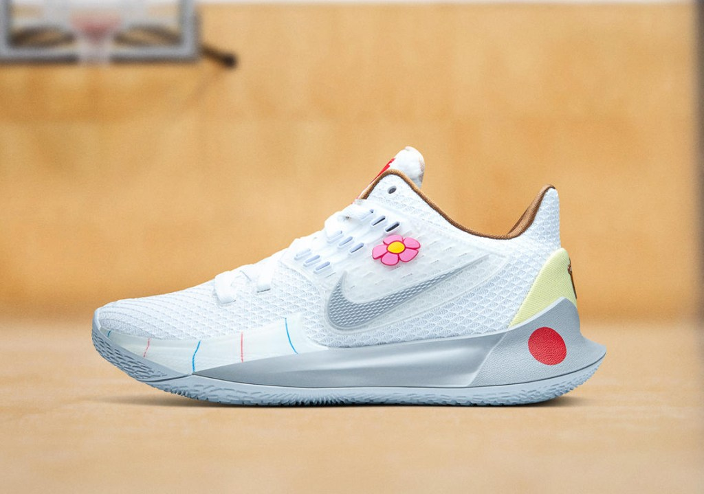 "A picture of the Nike Kyrie Low 2 ""Sandy Cheeks"" shoe."