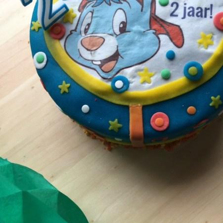 De trots van de dag: een heuse Bobo verjaardagstaart