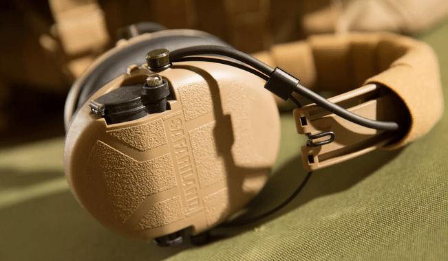 Los auriculares Liberator HP ™ son la siguiente generación en protección auditiva electrónica.