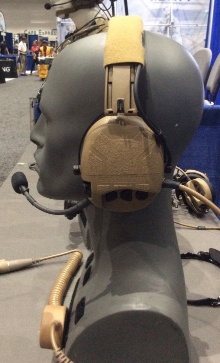 Auriculares de comunicaciones Liberator IV y V de Tactical Command Industries (Safariland)