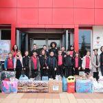 """Klubi Shpresa dhe nxënësit e klasave të 5-ta të kolegjit """"Turgut Özal"""" dhurojnë ndihma për 10 familje të prekura nga tërmeti në Vorë"""