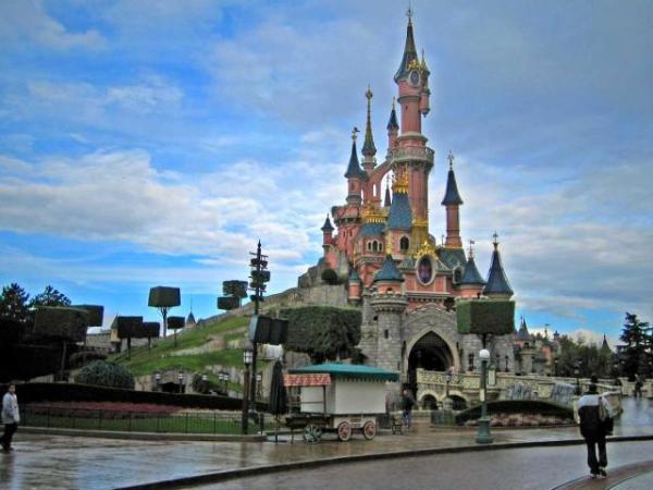 Disneyland_paris (1)