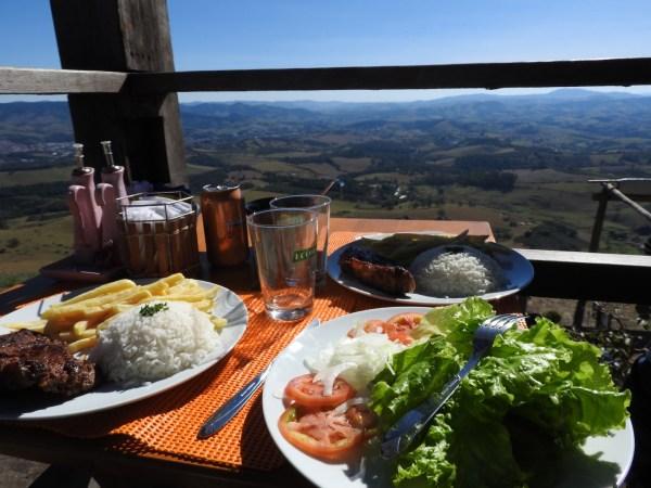 Restaurante panorâmico Bar da Pedra (Foto: Alessandra Maróstica)