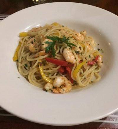 Spaghetti ai Gamberi, prato clássico do Don Carlini. (Foto: Alessandra Maróstica)