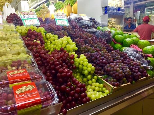 Frutas frescas no Mercado Central de BH. Foto: AMF / Blog Tirando Férias