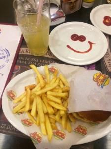 fritas_com_ketchup_smile