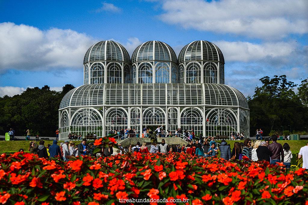 jardim botânico curitiba, flores vermelhas, parque em curitiba