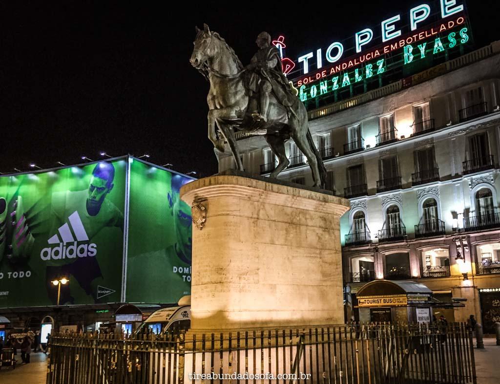 Monumentos na Puerta del Sol, em Madrid, Espanha