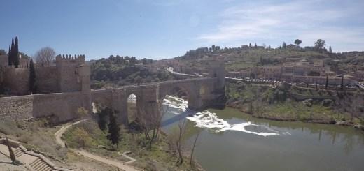 ponte de san martín, em toledo, espanha