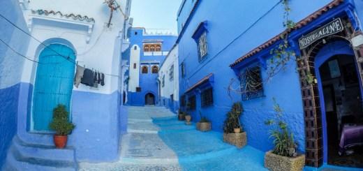 casas azuis em chefchaouen, no marrocos