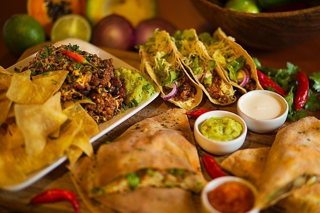 aztecas gastropub são bento do sul, sbs, sc, santa catarina, comida internacional, comida mexicana, nachos, coquetéis, cerveja artesanal em são bento do sul