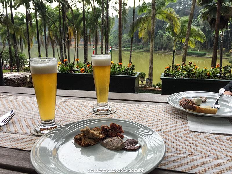 restaurante típico alemão General Küster, em Jaraguá do Sul. Almoço com vista para o parque Malwee