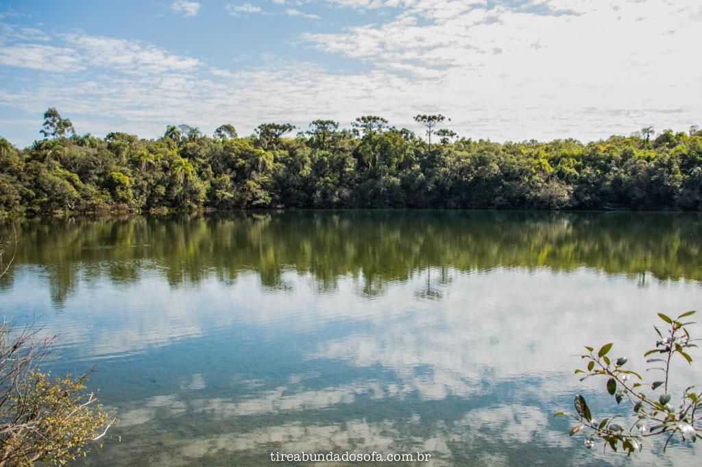 Lagoa Dourada, no parque estadual de vila velha, em ponta grossa
