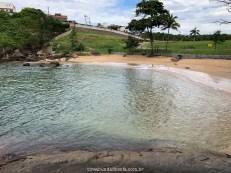 Águas claras da Praia Secreta, em Vila Velha, Espírito Santo