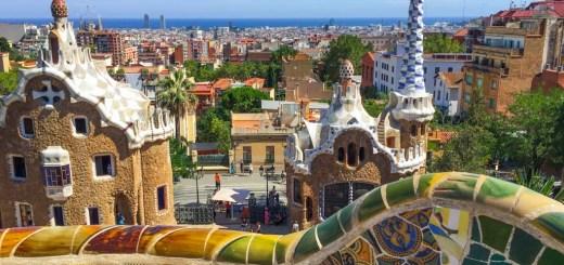 parc güell, obra de antoni gaudí, em barcelona