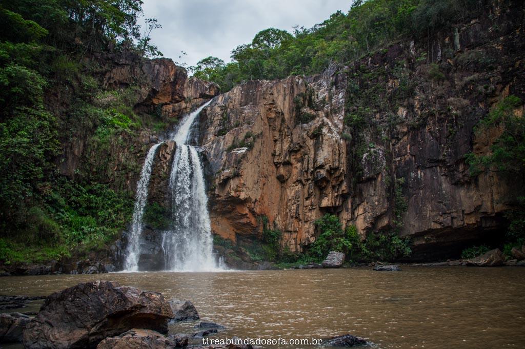 Cachoeira Fecho da Serra, em capitólio, minas gerais