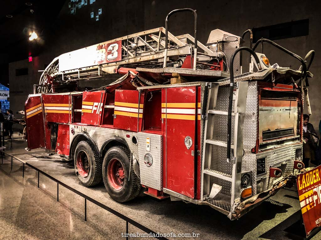 Caminhão de bombeiros, usado no dia do atentado de 9 de setembro, em nova york