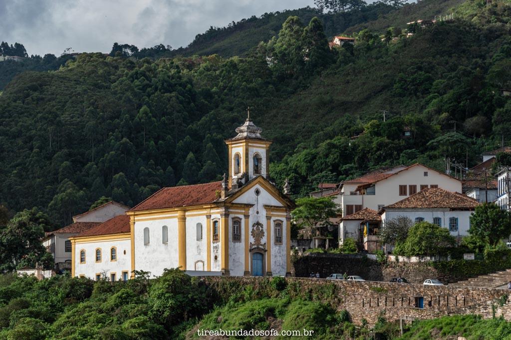 uma das igrejas de ouro preto, em minas gerais