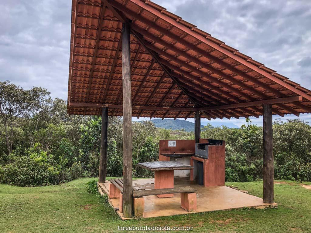 Quiosques para churrasco, no Parque das Andorinhas, em Ouro Preto, Minas Gerais