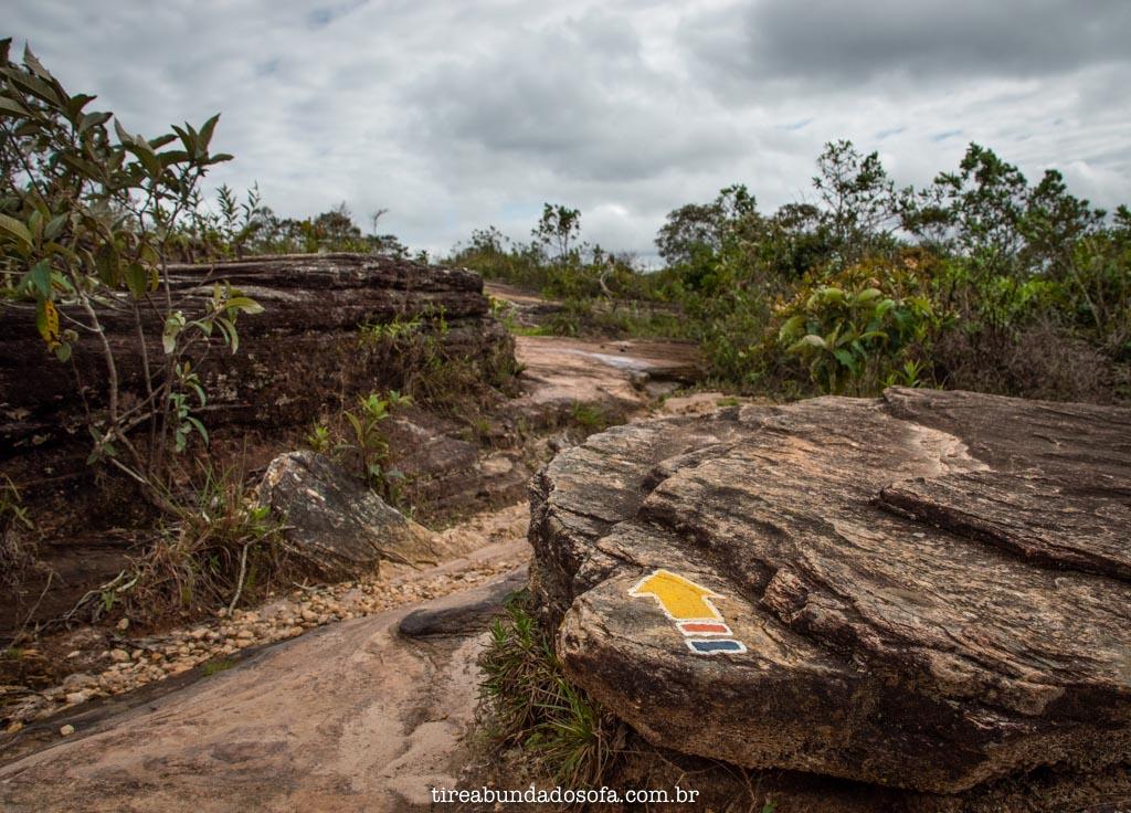 sinalização das trilha do Parque das Andorinhas, em Ouro Preto, Minas Gerais