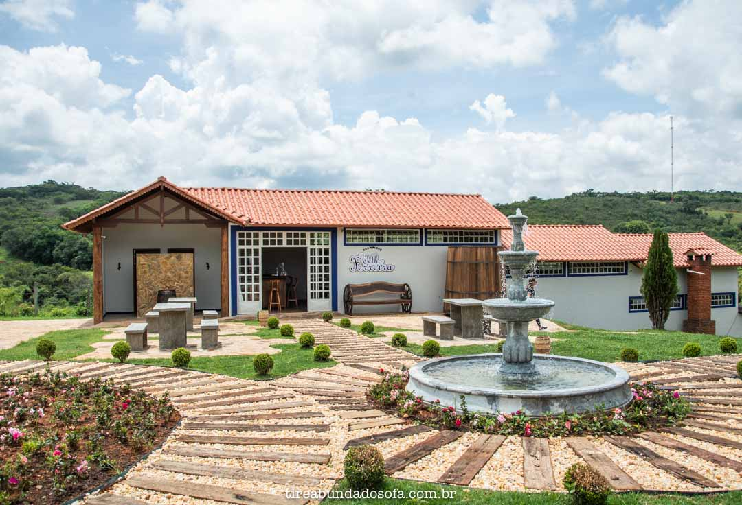 Loja da Cachaça Velho Ferreira, em Bichinho, Minas Gerais