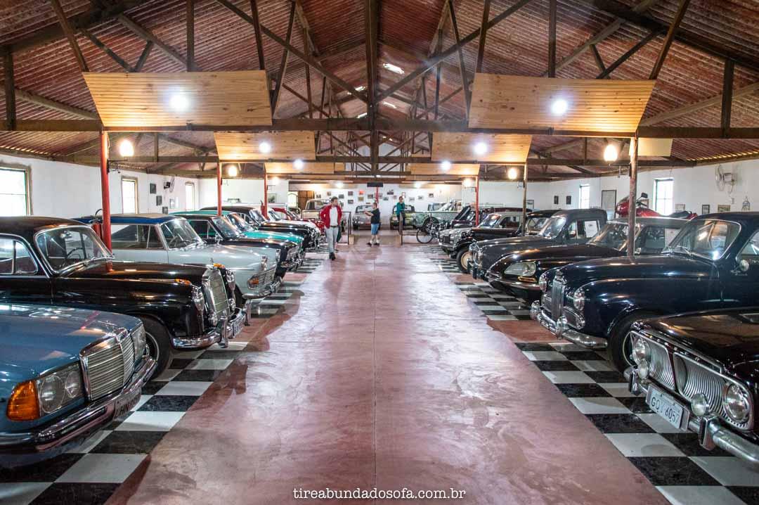 coleção de carros do museu do ato móvel da estrada real, em bichinho, mg