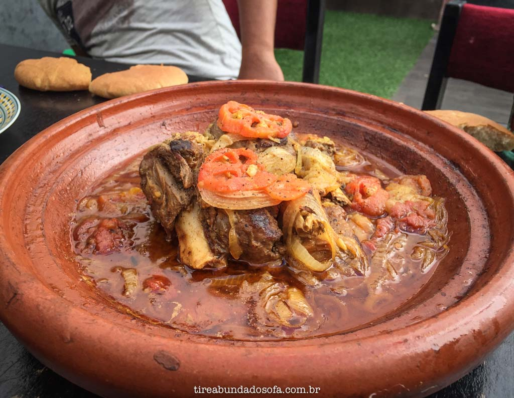 Tajine de cabra, comida tradicional do marrocos