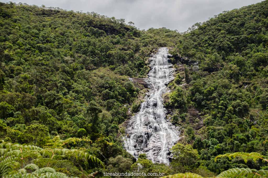 Vista da trilha para a cachoeira do fundo, em aiuruoca, minas gerais