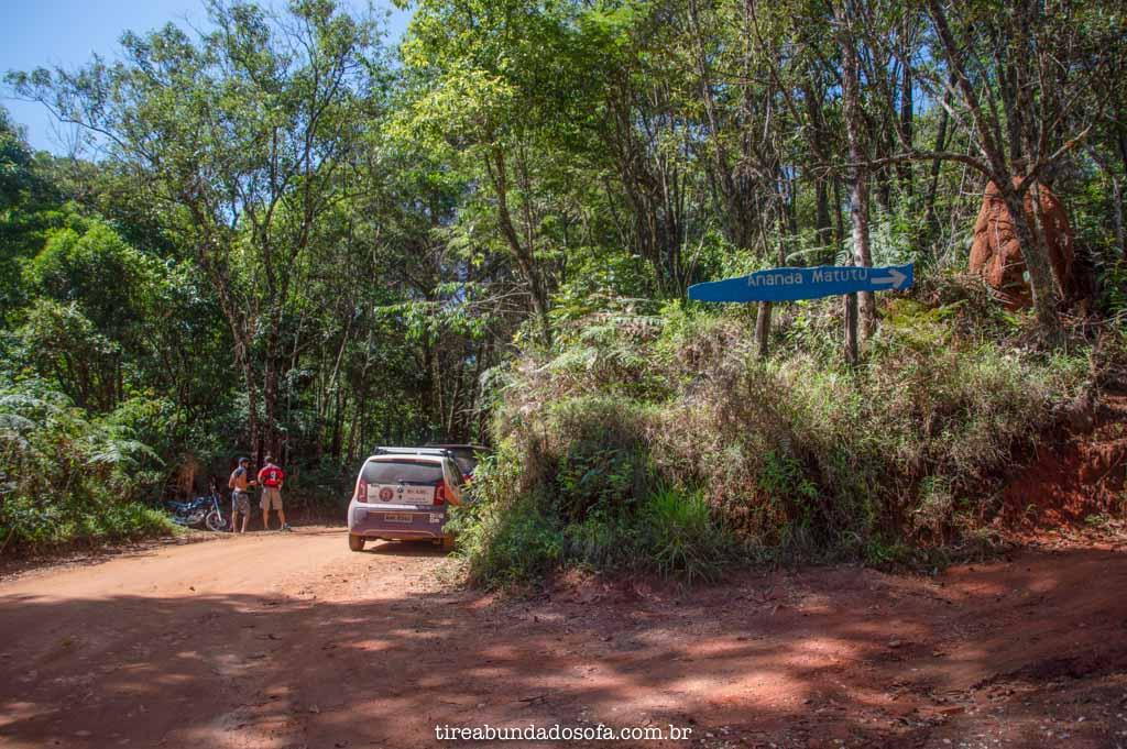 Estacionamento para a Cachoeira dos Macacos, em Aiuruoca, MG