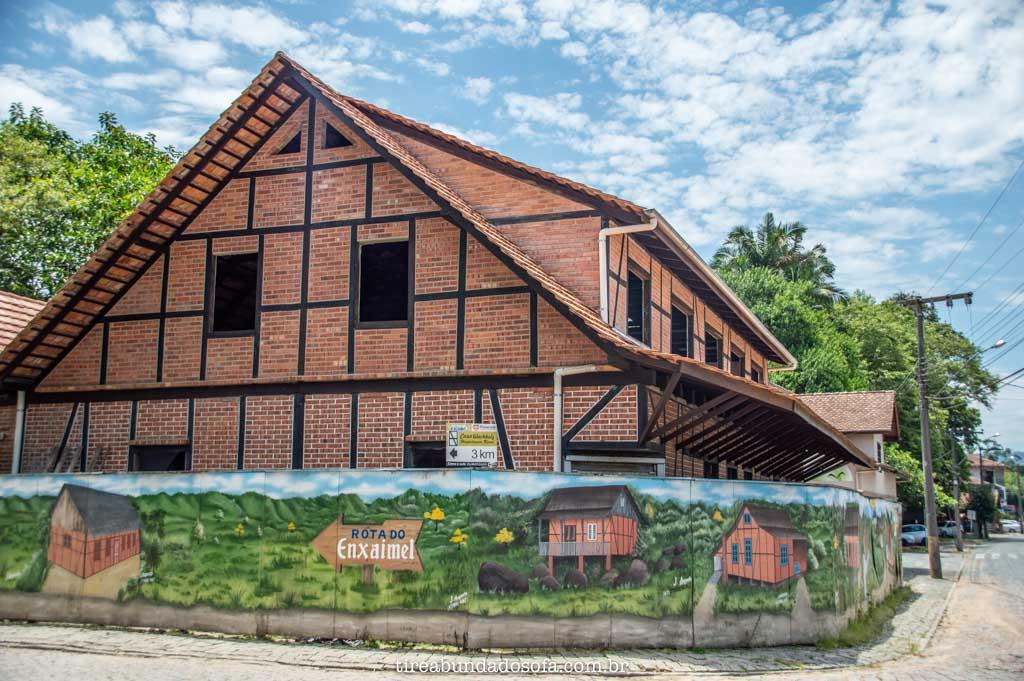 A típica arquitetura em enxaimel, em Pomerode, SC