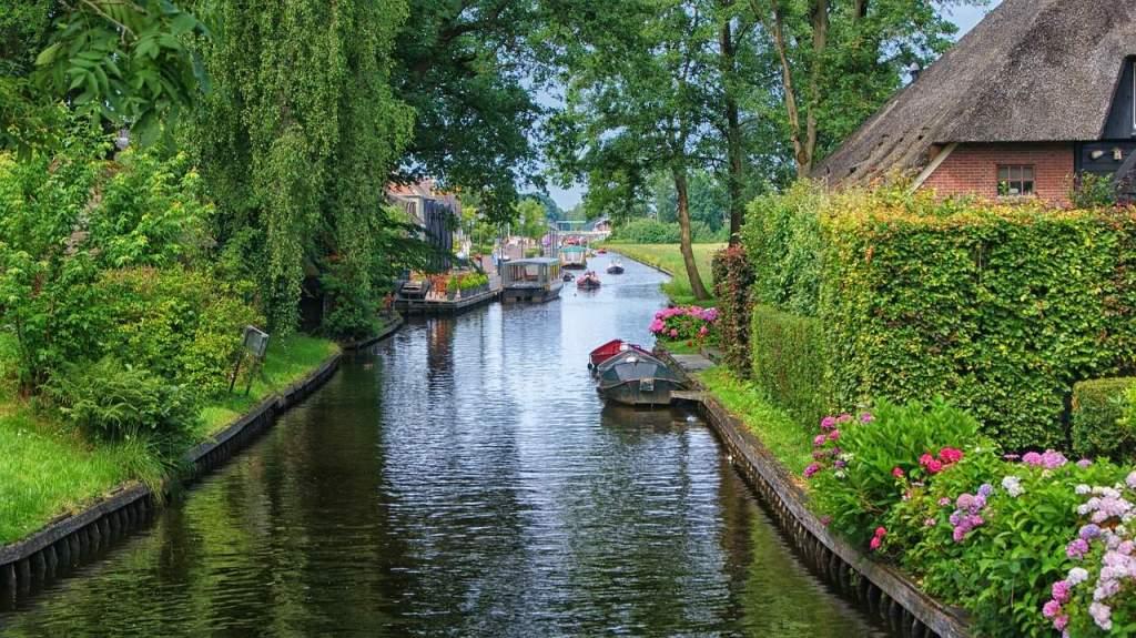 Cidade de Giethoorn, na Holanda