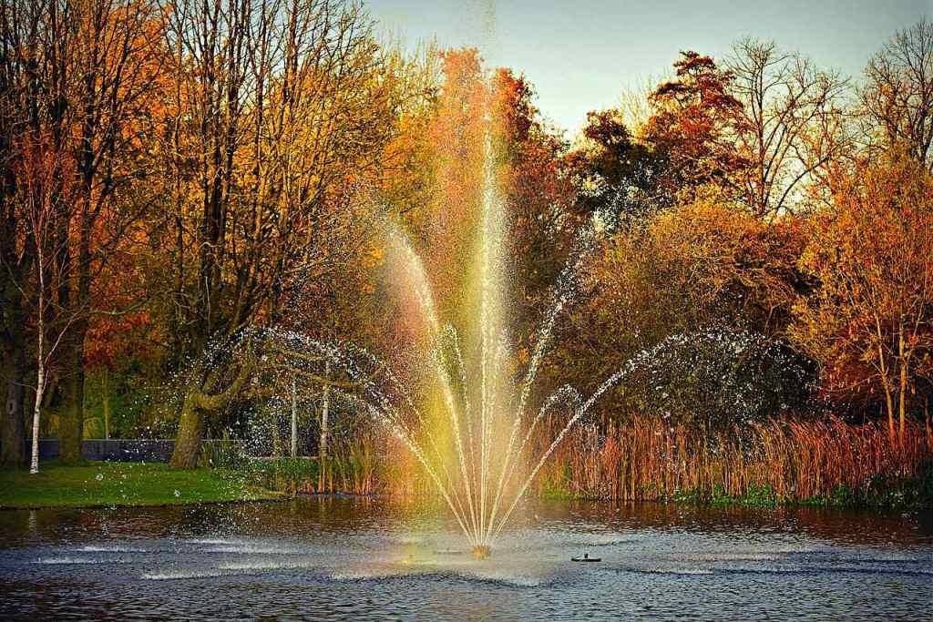 Lindo parque Vondelpark em Amsterdam, na Holanda