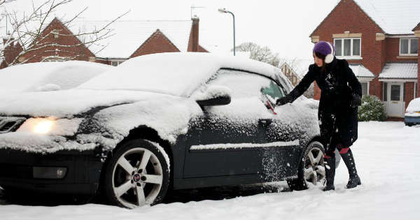 Leaving Snow on the Roof of Your Car Could Land You 3 Penalty Points 60 Fine 1