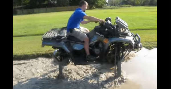 This Big ATV Goes Trough A Huge Mud Hole 2