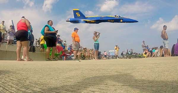 Blue Angel Pilots Shock Crowd With Extremely Low Flybys 1
